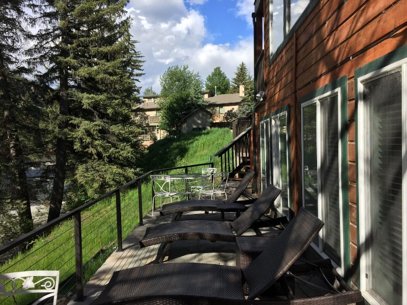 West Vail Home with Hot Tub Overlooking the River