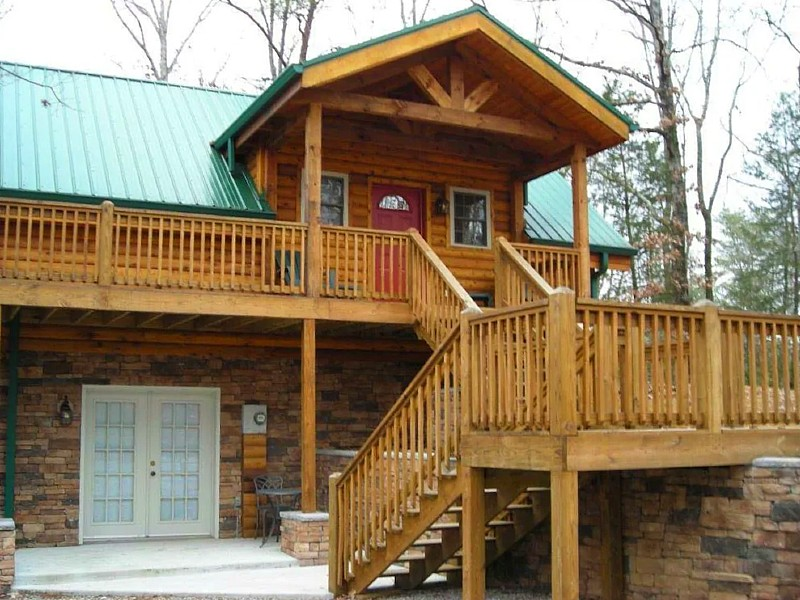 Hilltop Heaven 9 Acres Of Wooded Seclusion, Yet Close To Everything You Need