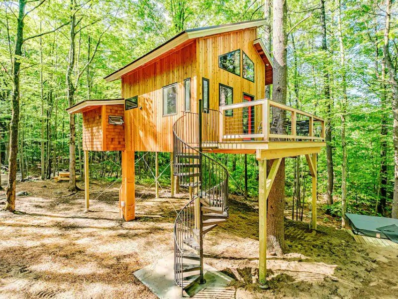 The Canopy Treehouse, a Luxury Carbon Free Retreat