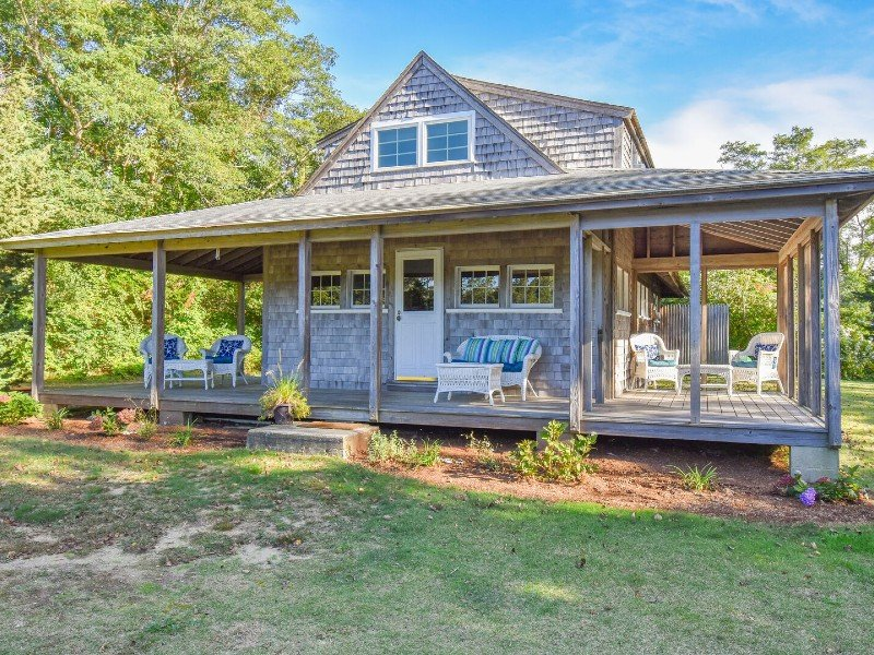 Private beach access, Screened in dining, Wrap around porch! Dog friendly