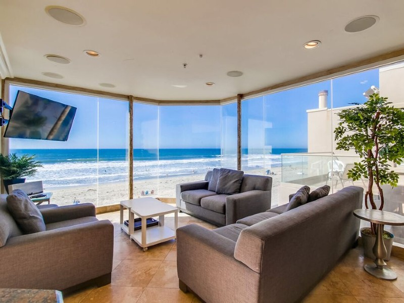 Island Getaway by 710 Vacation Rentals | Luxury Oceanfront Penthouse