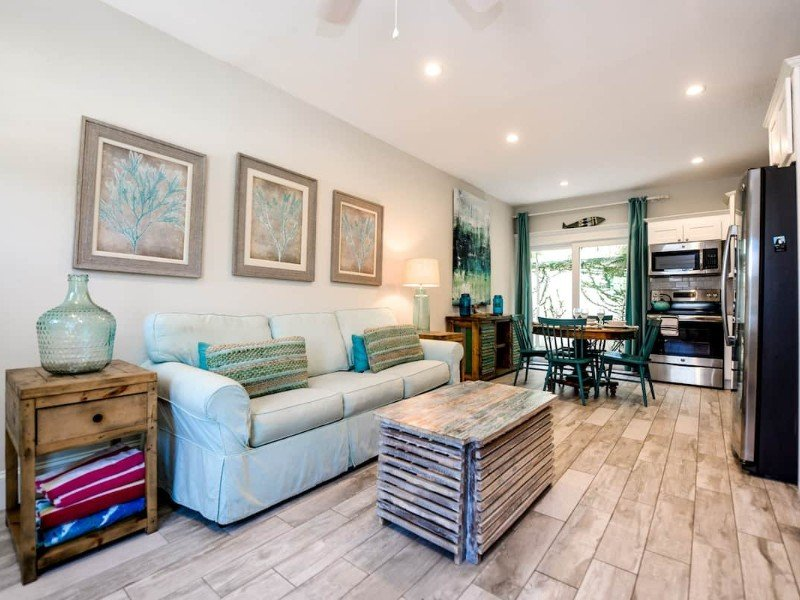 Adorable One-Bedroom Condo with Shared Pool