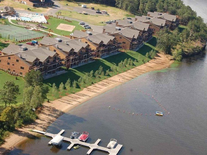 Aerial View of Beautiful Castle Rock Lake 3 Bedroom Penthouse Condo