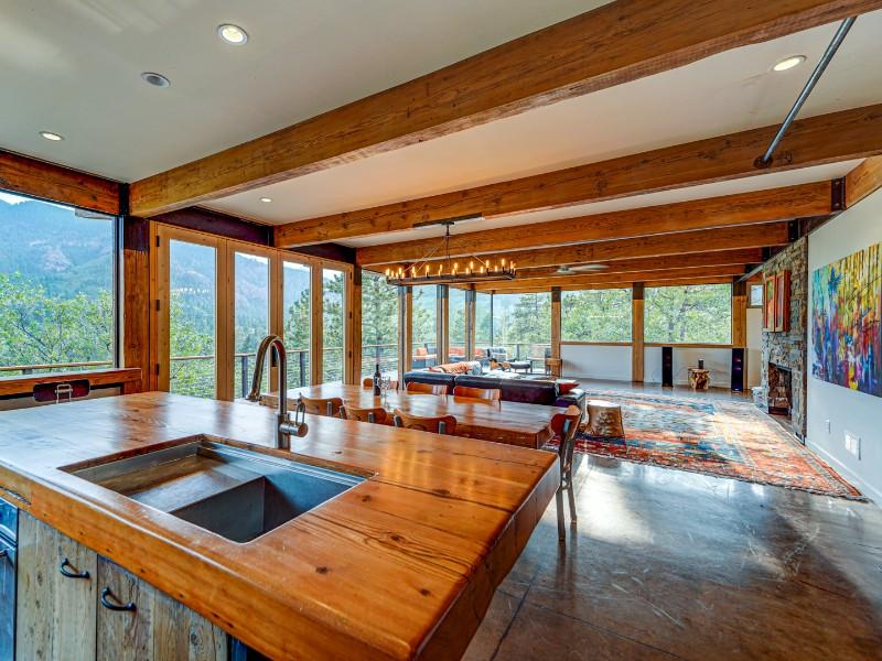 Cañon Retreat Near Broadmoor & Nature Reserve