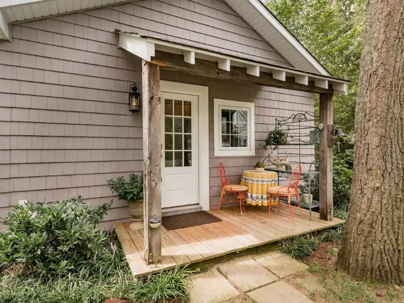 Charming Waterfront Cottage - Severna Park, Maryland