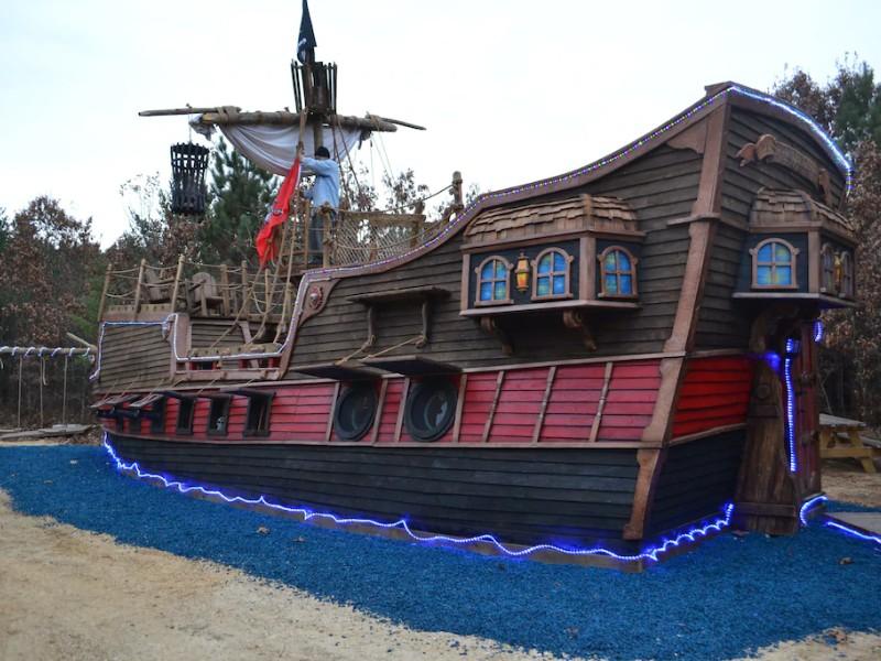 Pirate Ship Adventure Cabin