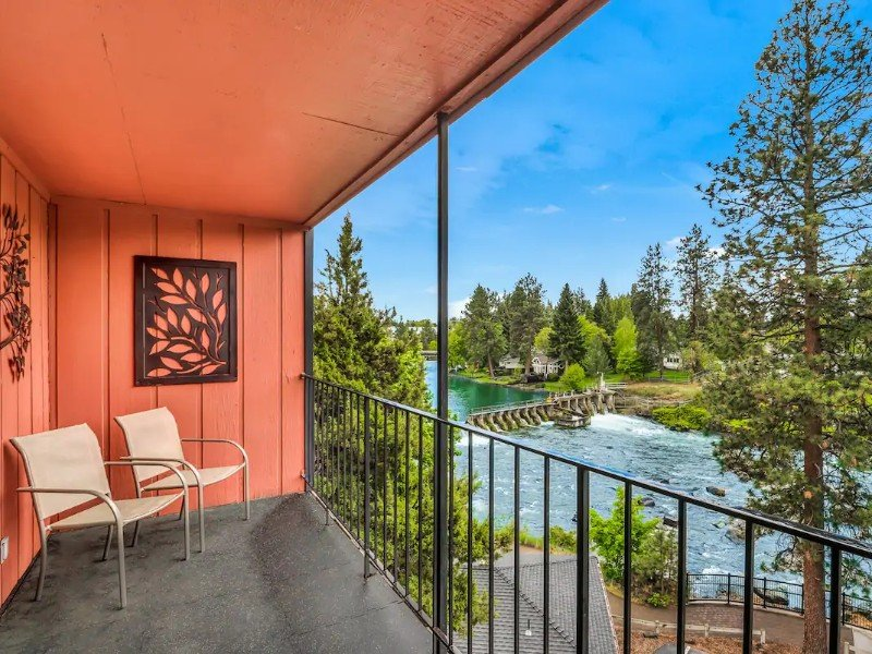 Riverfront Condo with Amazing View