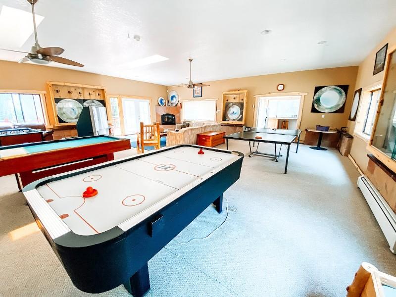 Spacious Custom Home with Game Room - Durango