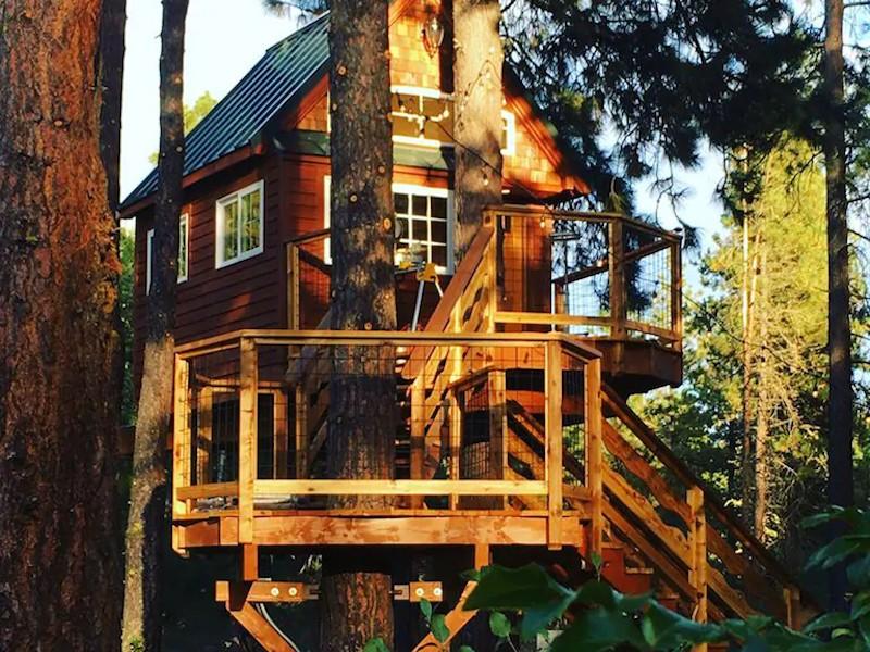 Treehouse on the Yakima Riverfront