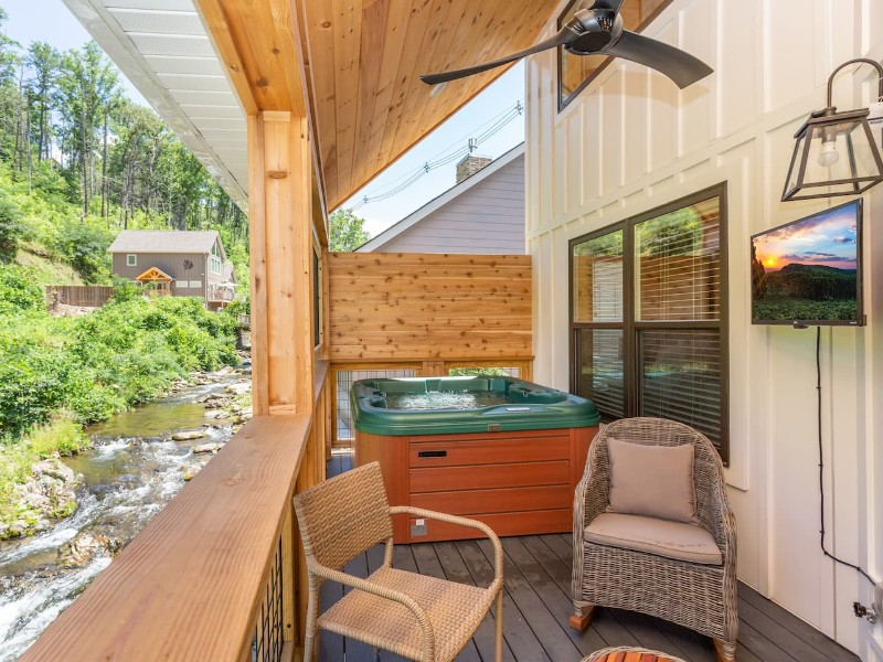 Waterfront Cabin with Hot Tub, Near Downtown Gatlinburg