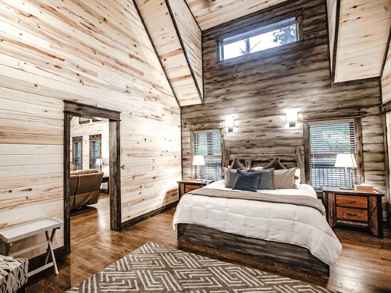 Elegant Couples Cabin, Magnolia Design, 5-Star Amenities