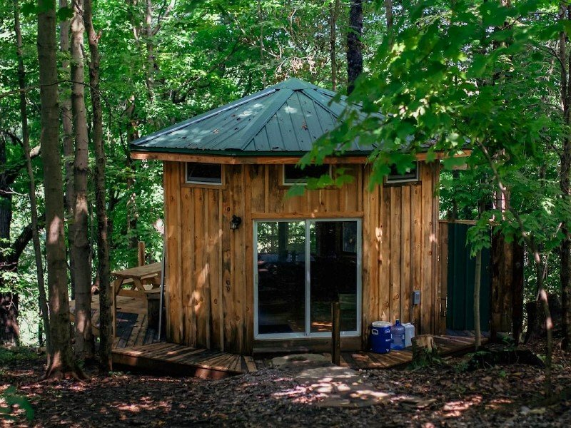 """Secluded Tiny """"Ginseng House"""" Artist Retreat"""