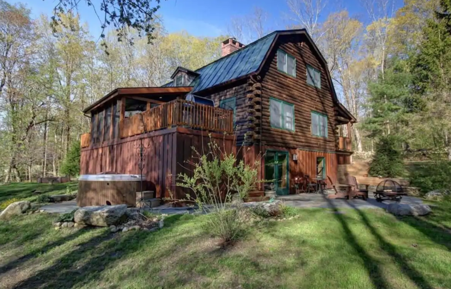 Amazing Berkshire Cabin with Hot Tub