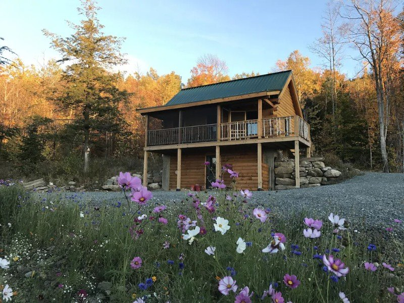 Cabin with Views of Cherry Pond & White Mountains – Jefferson