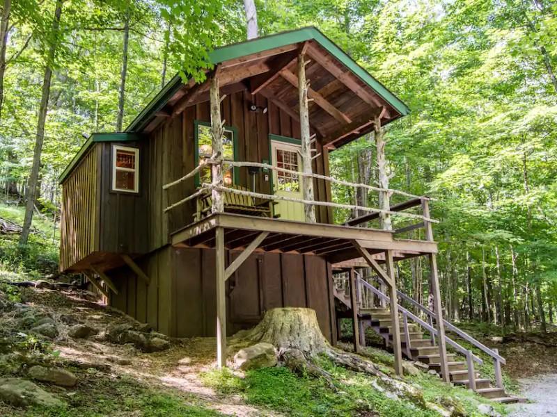 Charming Glamping Cabin - Riverton