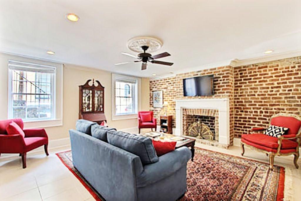 Charming Suite on York Street
