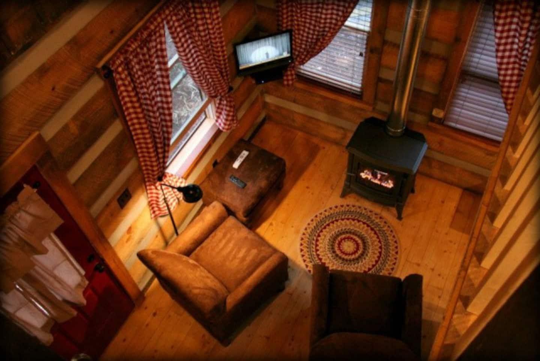 Deer Run Waterfront Log Cabin