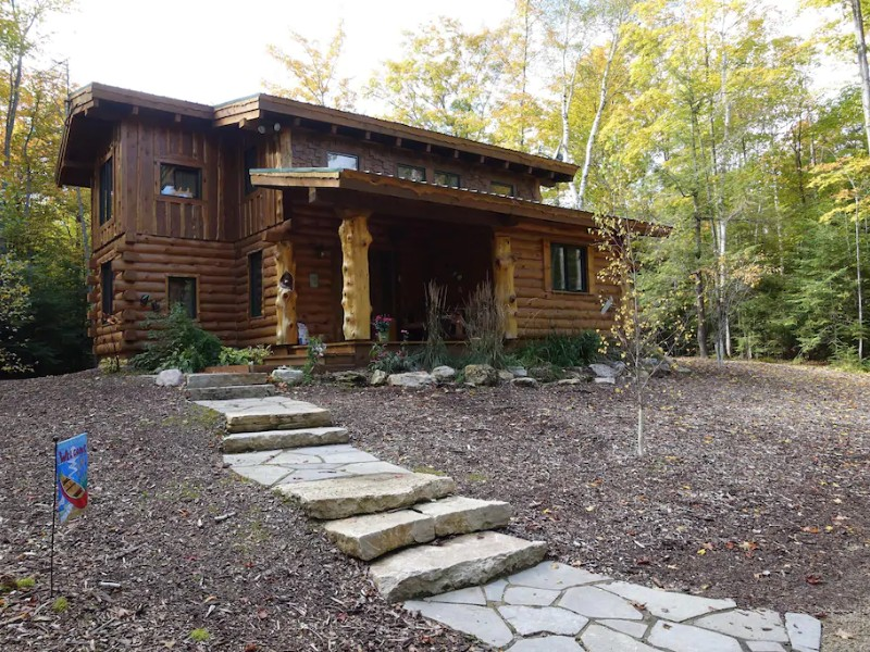 Door County Cabin with Fire Pit, Fireplace & Game Room