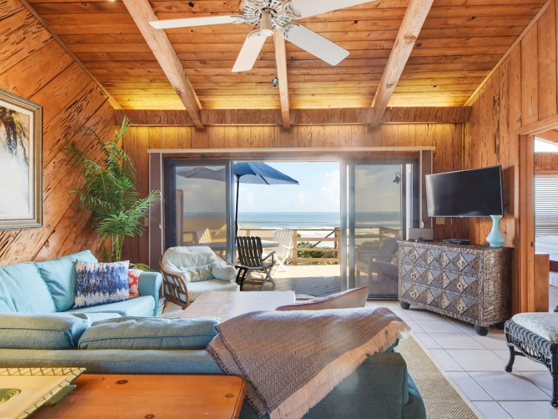 Gorgeous Oceanfront Villa - New Smyrna Beach