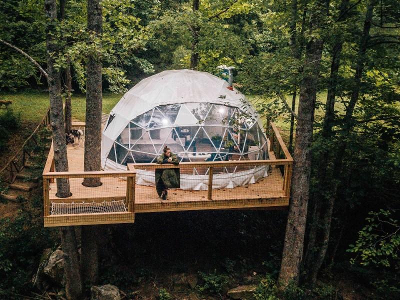 Heated Winter Tree House Experience – Deep Gap, North Carolina