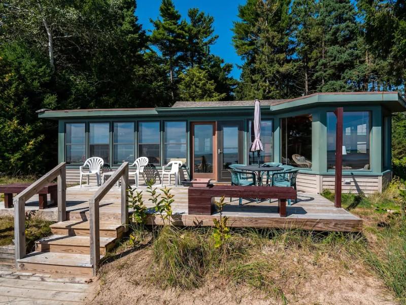 Lake Michigan Sand Beach & Wooded Privacy