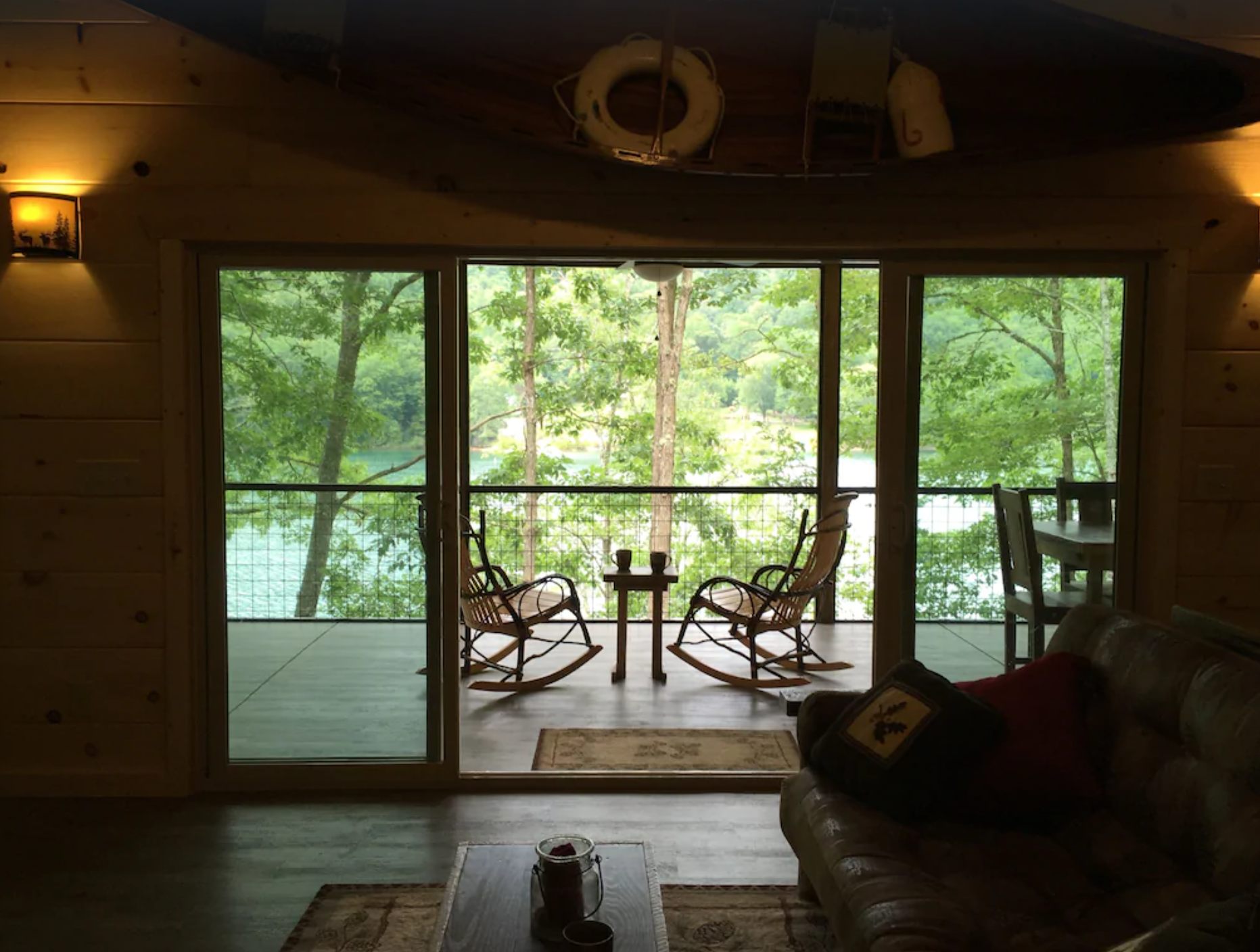 Lakefront cabin with hot tub