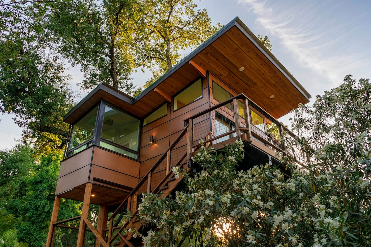 Exterior of Luxury Treehouse with Views of the Sierras