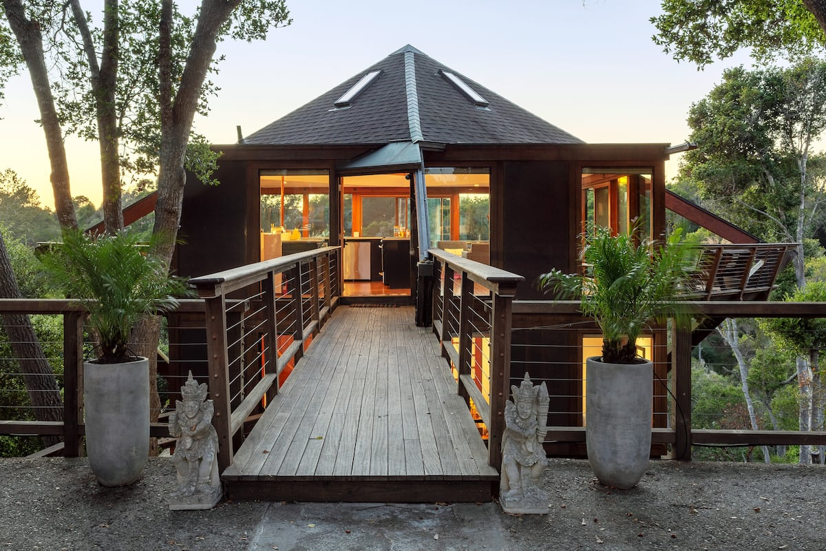 Entrance at Peaceful Treehouse with Ocean View