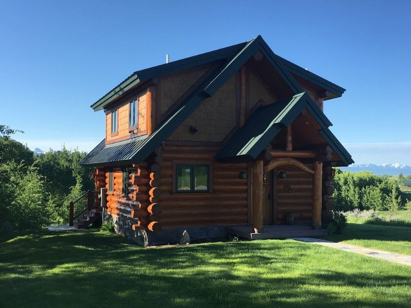 Secluded Guest Cabin