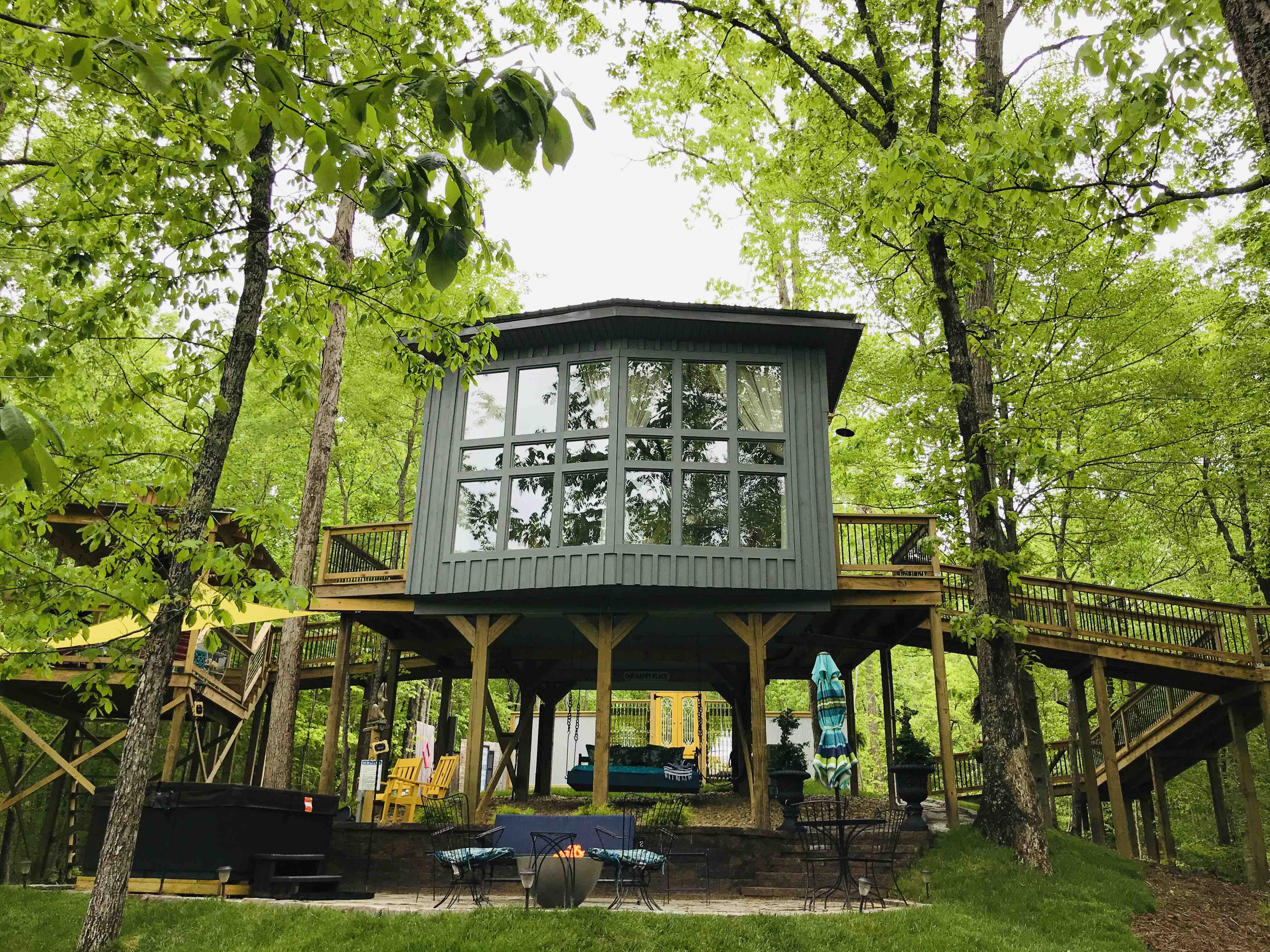 Tennessee's First Luxury Treehouse