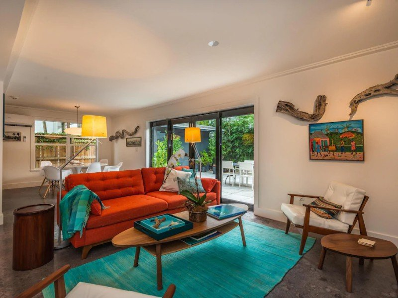 Tropical House in Center of Coconut Grove